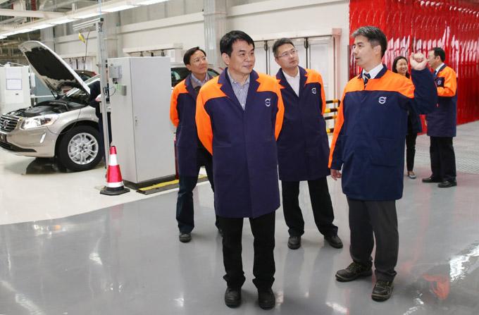 在沃尔沃汽车成都制造厂了解工厂用电需求 高清图片